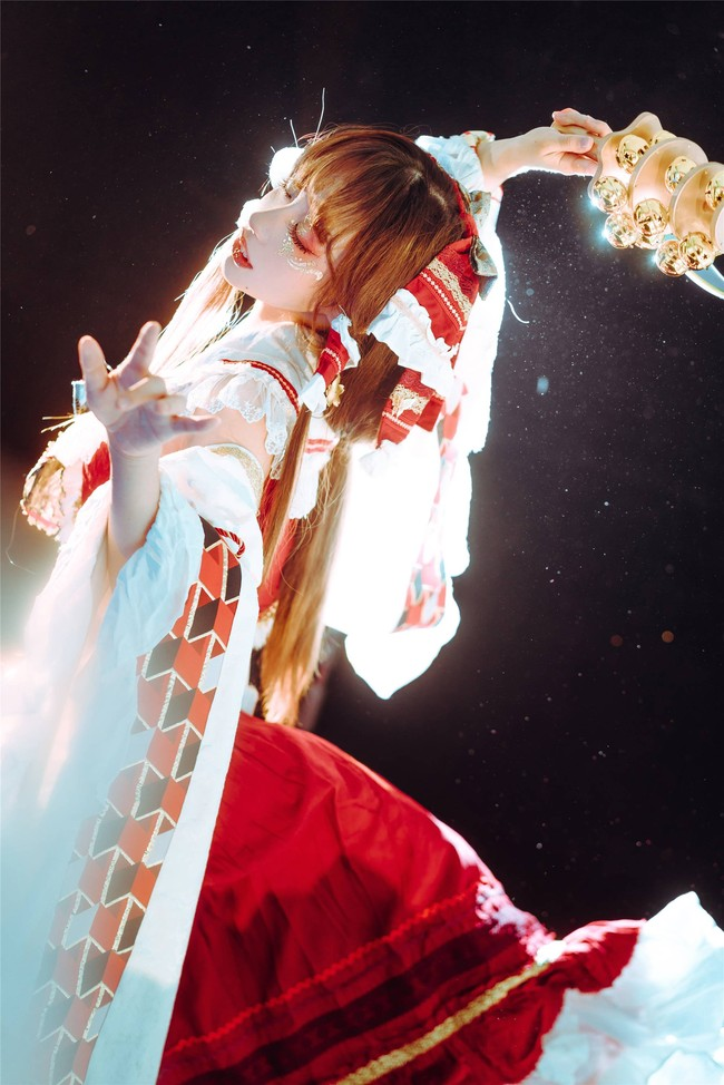 【cos精选】东方PROJECT#博丽灵梦#看神明在舞蹈